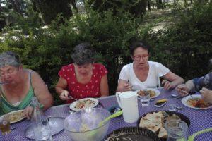 180622 crock midi a table